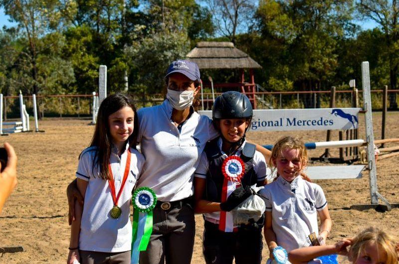 Equitación: Práctica de concurso en la SRRM