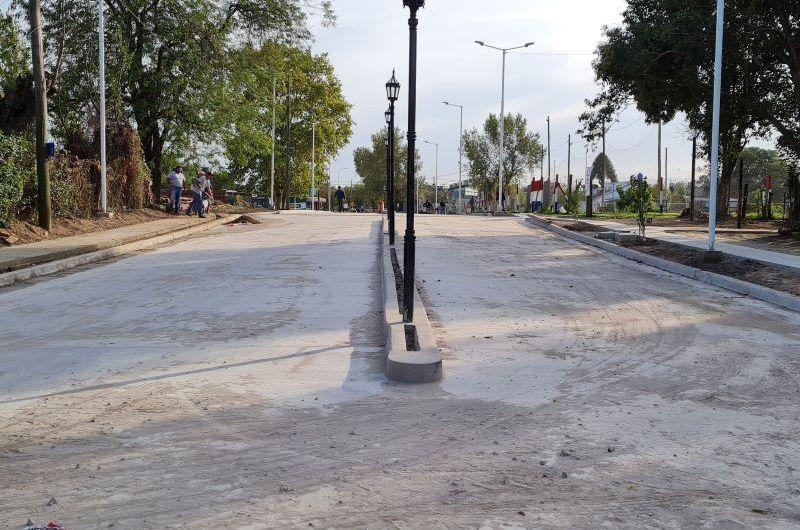 Ultiman detalles en la obra de pavimentación y luminarias en 15 entre 40 y 42