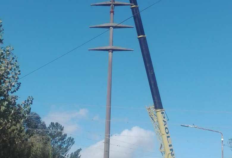 Realizan trabajos eléctricos en 11 y 114