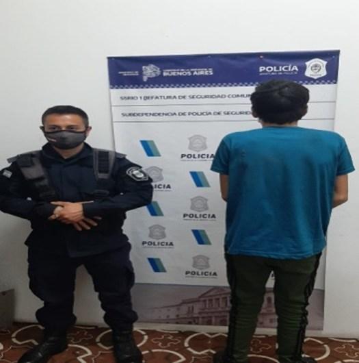 Detenido circulando en una moto robada