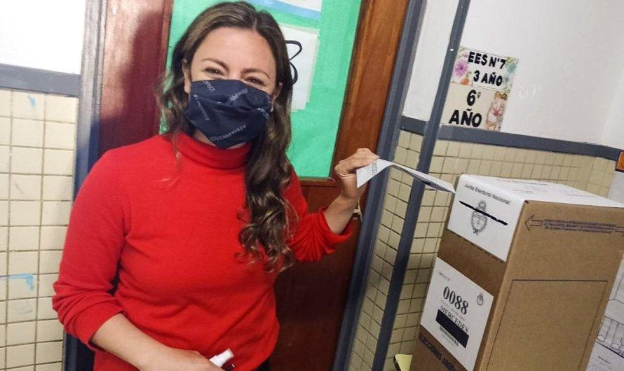 """La Diputada Vanesa Siley votó y remarcó que """"es una fiesta de la democracia"""""""