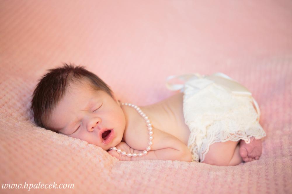 Newborn girl studio at home bordentown nj
