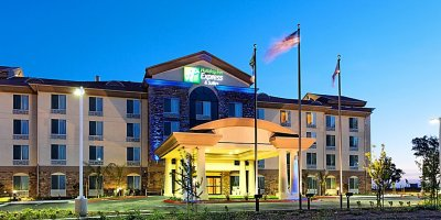 holiday-inn-express-and-suites-fresno-2533185439-2x1