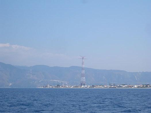 20150708 Entering strait Messina