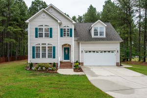 Now Showing: 1/2 Acre, 3 Bedrooms, and a Superb Raleigh Location
