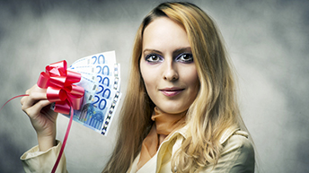 Why is there still a gender bonus gap?