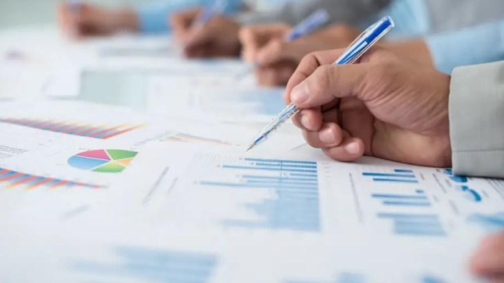 Financial advice sector needs new blood, deVere warns