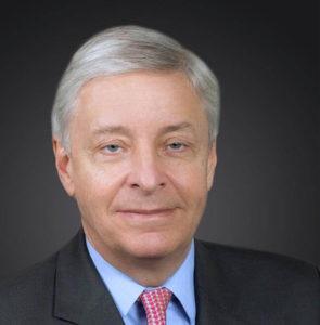 Hubertus Douglas: Technologie-Kompetenz hat höchste Priorität