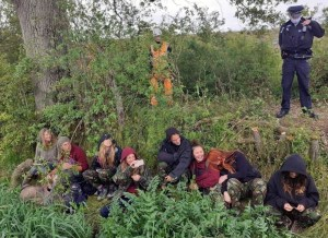 7 women were arrested for singing under a 200 year old Oak tree, threatened by HS2.