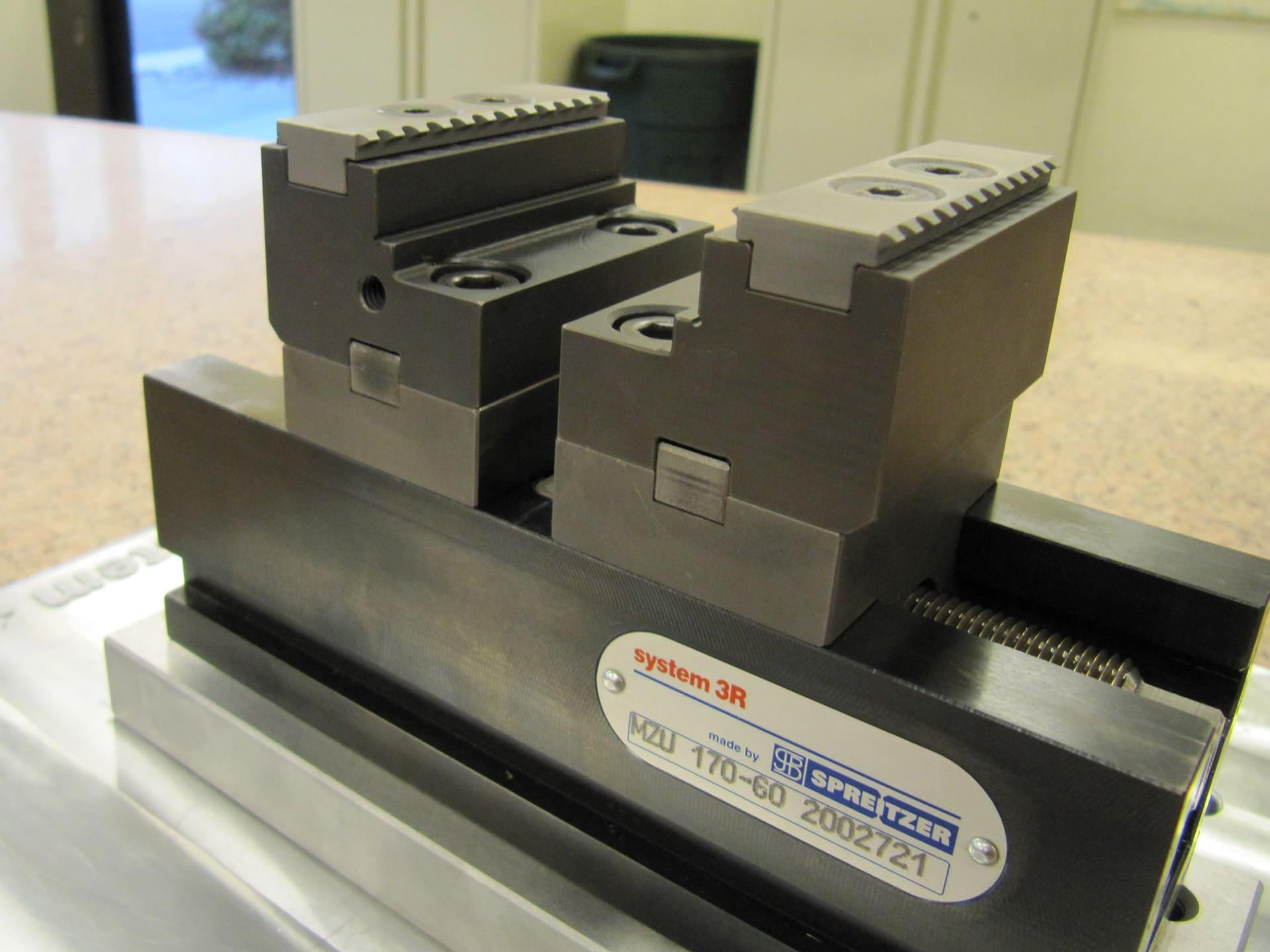 Self Centering Vise On System 3r Dynafix Pallet Hermann Schmidt Precision Workholding