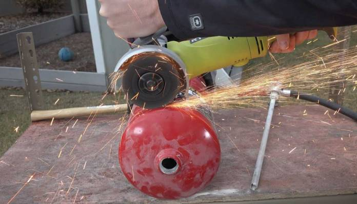 Check What's inside a Fire Extinguisher