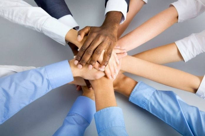 Commitment Definition & How It Is Demonstrated In The Workplace