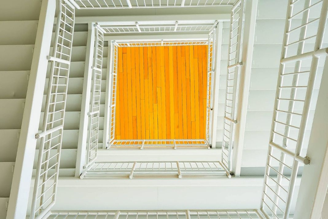 Guidelines For The Safe Use Of Stairways