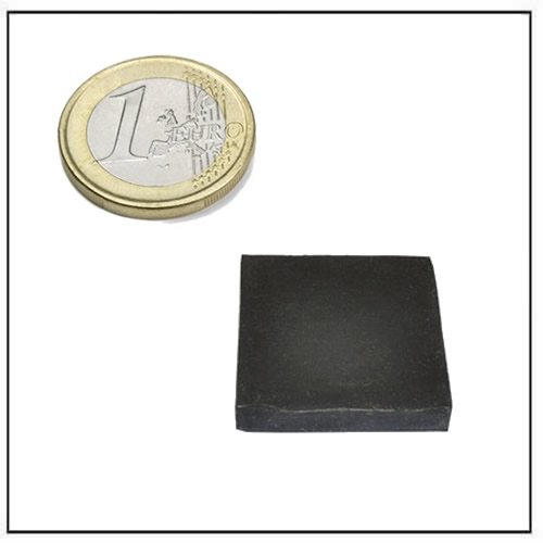 30 x 30 x 5mm Rubber Covered Neodymium Square Magnets Black