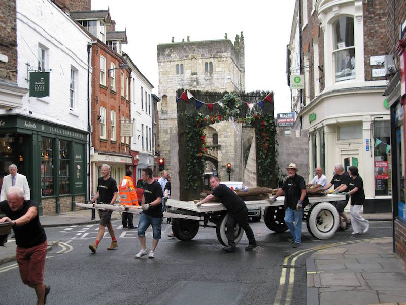 Wagons roll in York, 2014