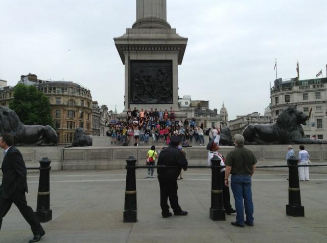 Tour group @Trafalgar Square