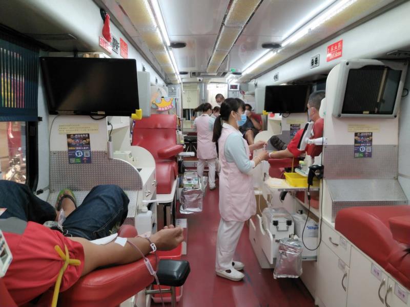 相約挽袖捐熱血 救命一袋不缺席