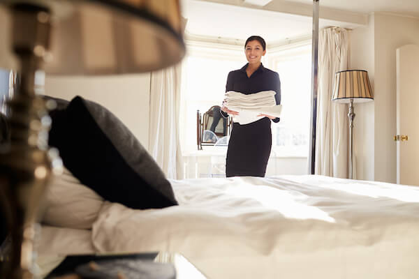 how to recruit hospitality staff