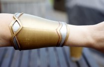 Wonder Woman Bracers 3D Print Pic 2