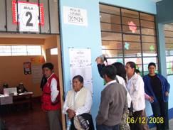 Pobladores de Lapian para su respectiva votación de revocatoria