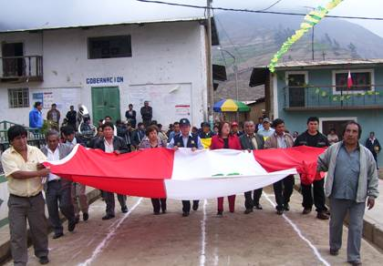 Autoridades en aniversario del distrito de 27 de Noviembre