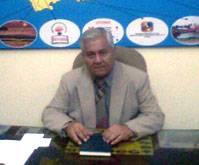 Director de la Ugel  Nº 10 de Huaral, Abelardo Valladares.