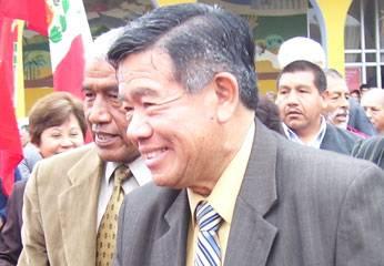 alcalde de Huaral Jaime Uribe y el Presidente regional Nelson Chui.