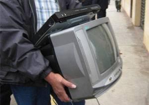 Ante la presencia de serenazgo, los delincuentes abandonaron los  artefactos eléctricos que fueron sustraídos de una vivienda