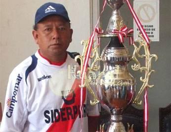 Antonio Carrasco jefe del equipo Unión Huaral