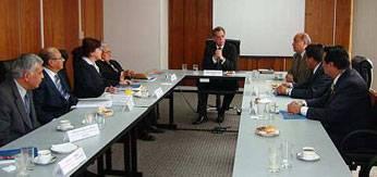 La propuesta fue hecha en una reciente reunión de los miembros de los colegios profesionales con el presidente del Ceplan. Perú 21.