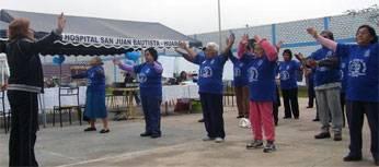 Club del adulto mayor participando del deporte para el espiritu Tai Chi.
