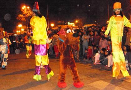 Desfile de disfraces pasacalle canina