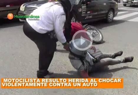 Motociclista resulto herida al chocar violentamente contra un auto en Huaral