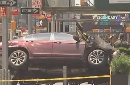EE.UU. Al menos 13 personas fueron atropelladas por un auto