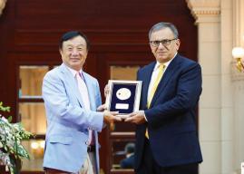 Ren Zhengfei, der Gründer von HUAWEI, würdigt den Vater der Polarcodes