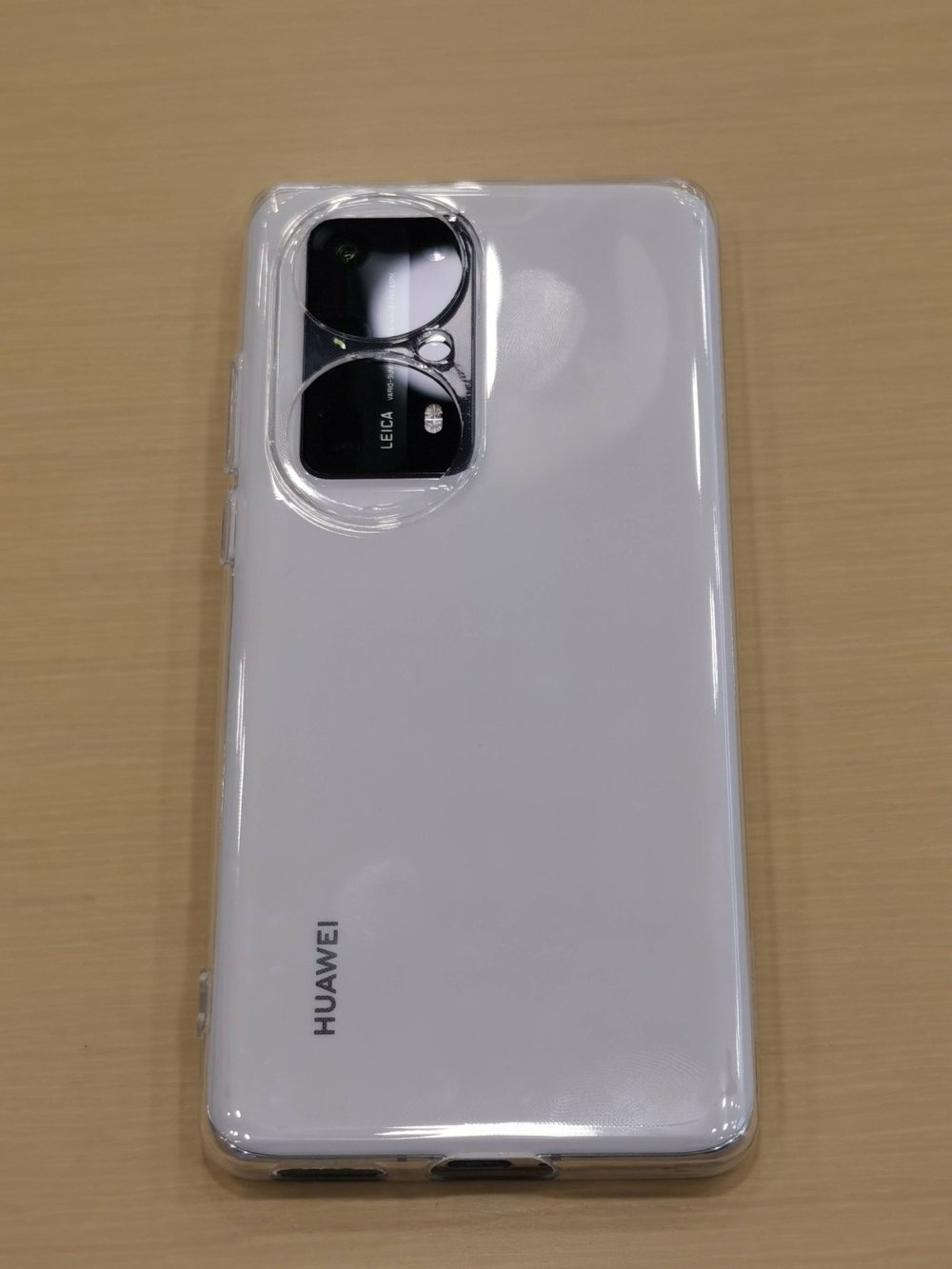 Comparison of Huawei P50 and Huawei P50 Pro case with Huawei P40, Huawei Mate 40 and Huawei P40 Pro-4
