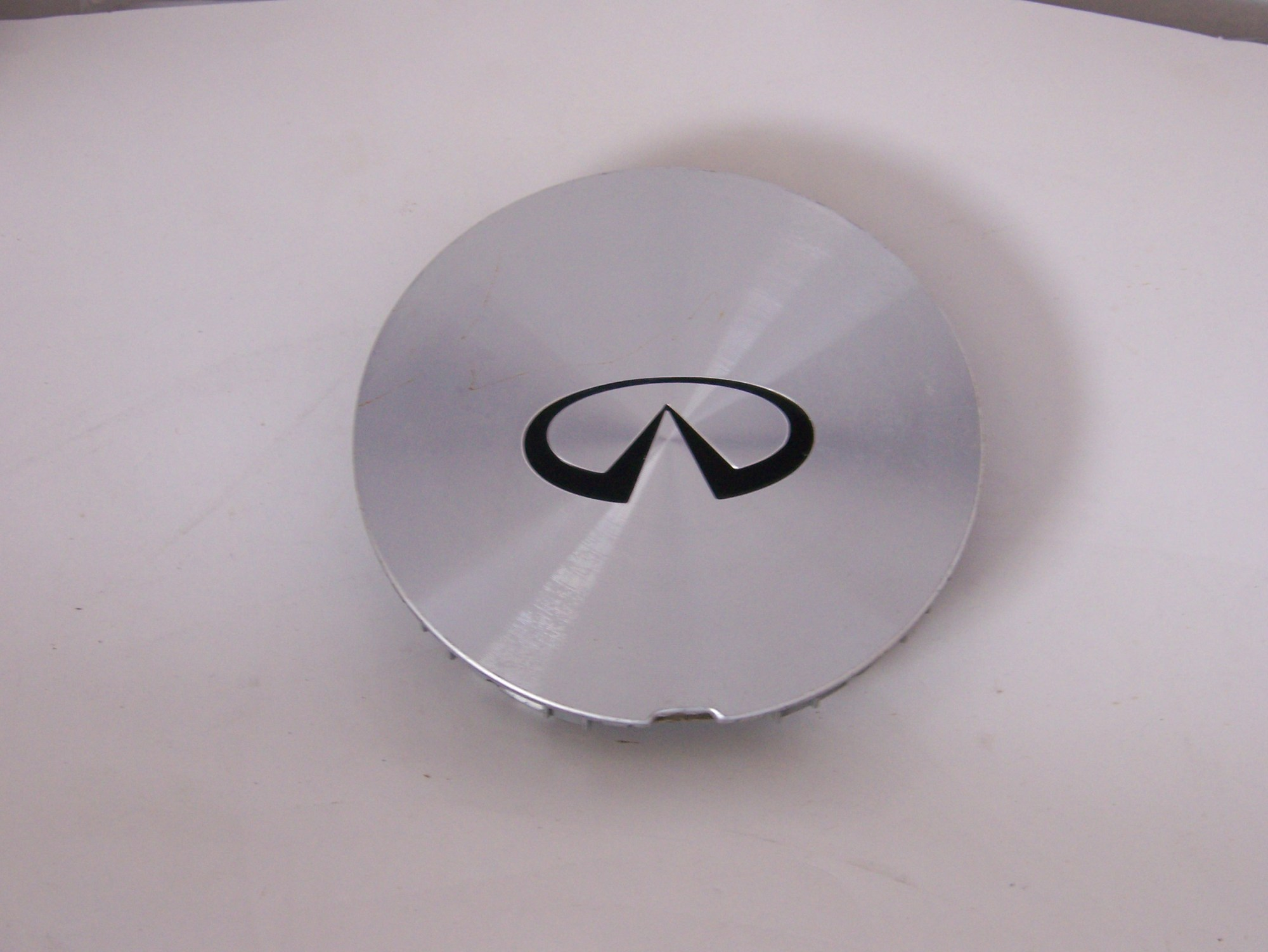 hight resolution of product information infiniti i30 q45 95 98 center cap