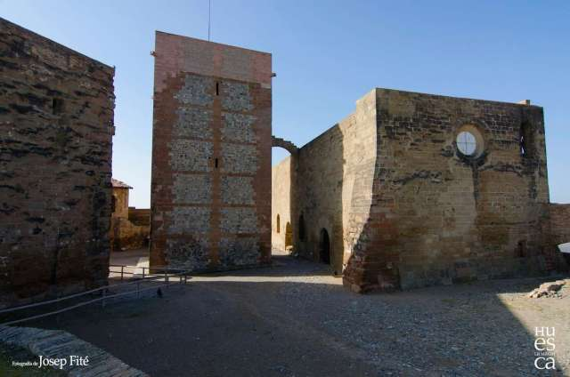 castillo-de-monzon-6_josep-fite