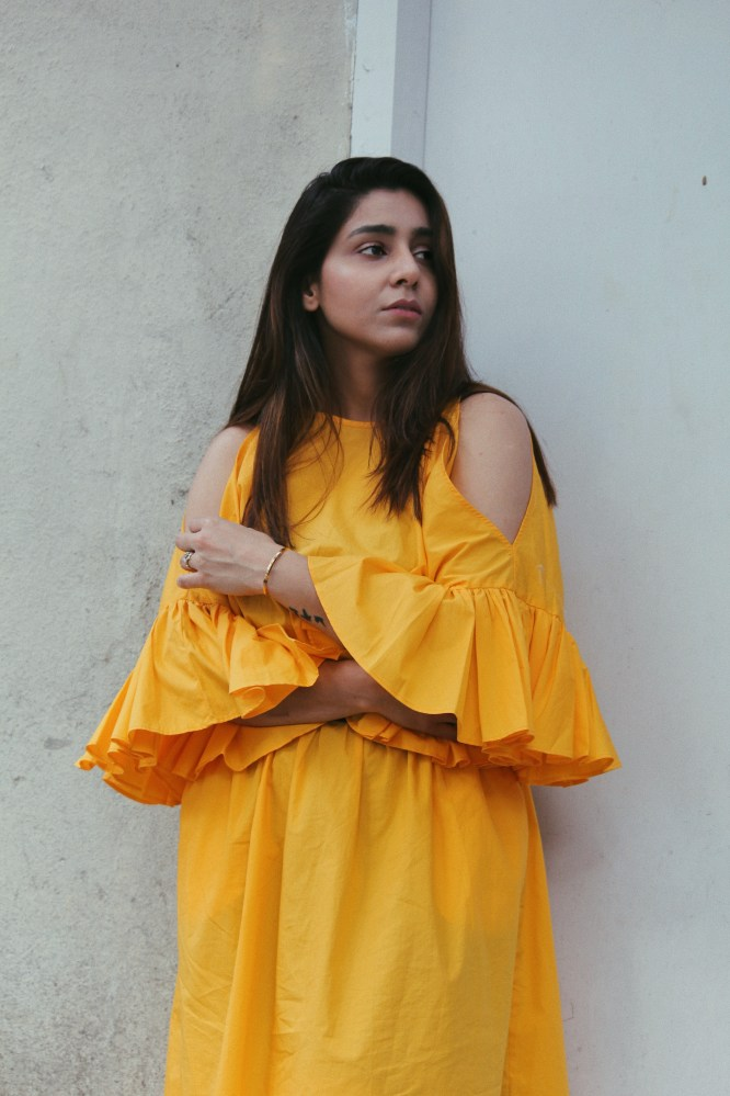 How to style yellow dress for Summer, Spring summer lookbook