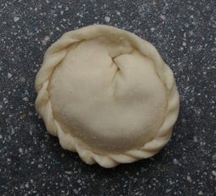 from: http://www.avrupasu.com/recipe-pelmeni.html