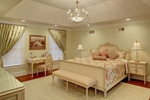 traditional-bedroom-huffman.house
