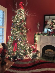 Huffman_House_Bed_and_Breakfast_Christmas_Tree_Minden_LA.jpg