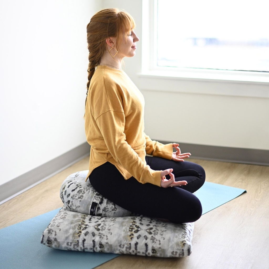 zabuton meditation pillow hugger mugger