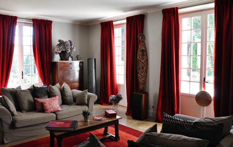 Travaux de rénovation réalisés dans le salon de la maison traditionnelle