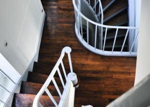 Cage d'escalier sur 2 étages