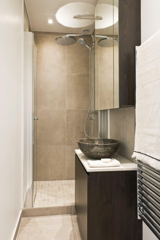 Salle de douche entièrement refaite