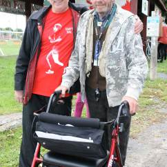 Walker Transport Chair In One Hugo Navigator Balloon Back Bob Hardy Gives Out Elites At Terry Fox Run