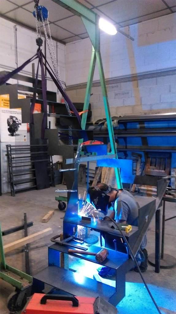Fabrication escalier un quart tournant - limon en crémaillère - hugo ferronnerie