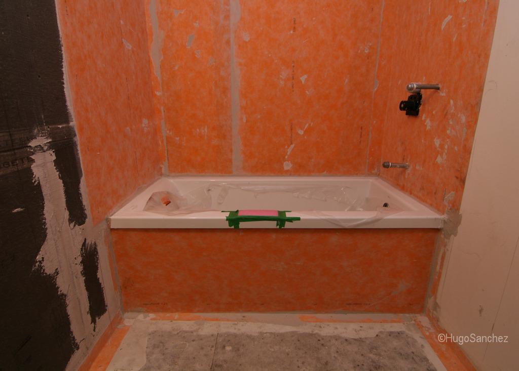 Bathtub shower  Cramiques Hugo Sanchez Inc