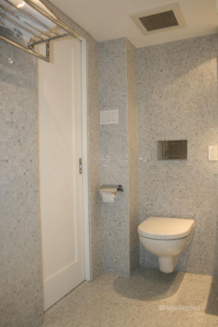 Curbless mosaic shower  Cramiques Hugo Sanchez Inc